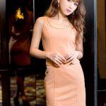 売り切れ続出!元エッグモデルのねもやよさん着用ドレス1。