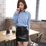 お勧めの韓国オルチャンレディースファッション。ひざ丈のレザースカート。